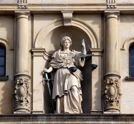 statuie-justitie